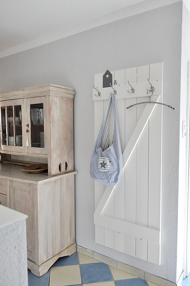 selbstgebaute-Garderobe