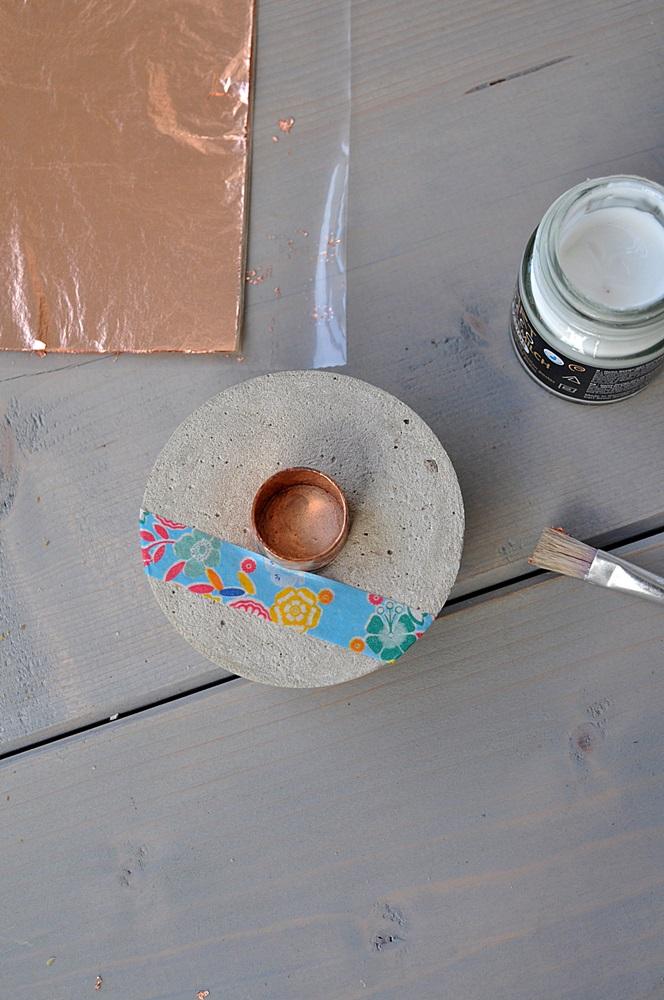 diy kerzenst nder aus beton mit kupfer die farben des herbstes smillas wohngef hl. Black Bedroom Furniture Sets. Home Design Ideas