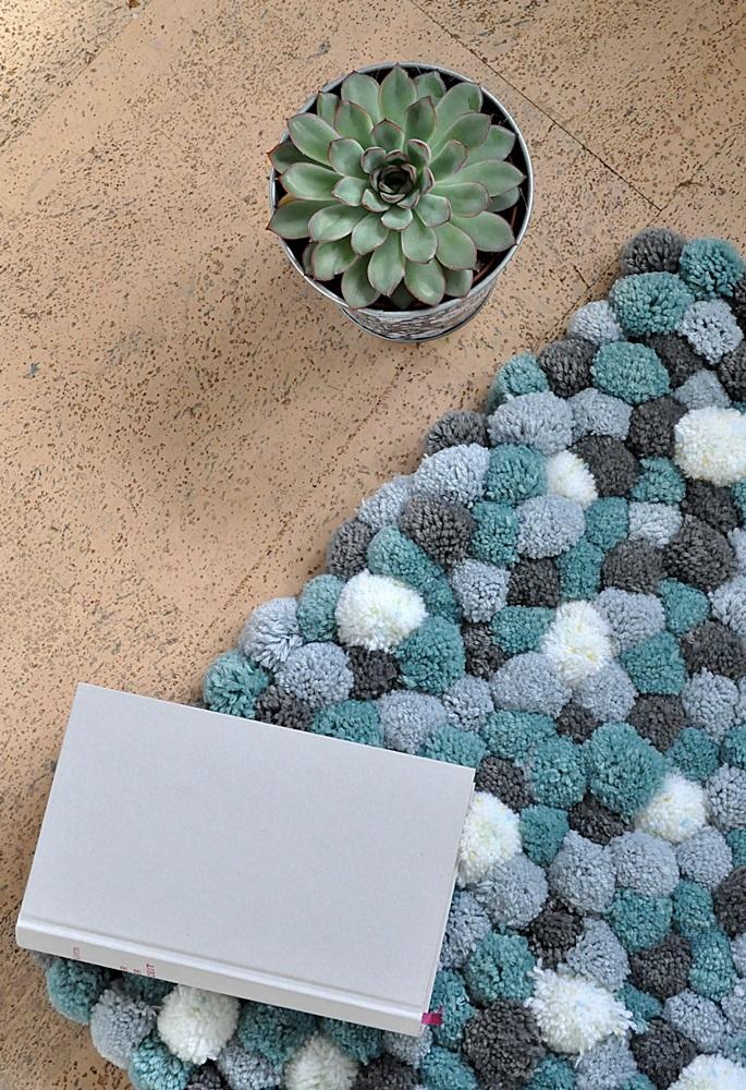 DIY flauschige Badematte aus PomPoms selber machen